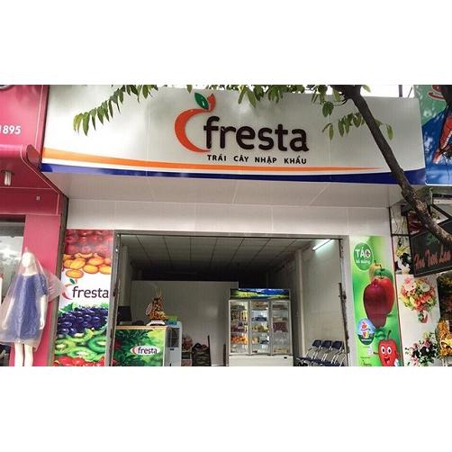 Cửa hàng trưng bày trái cây sạch của fresta